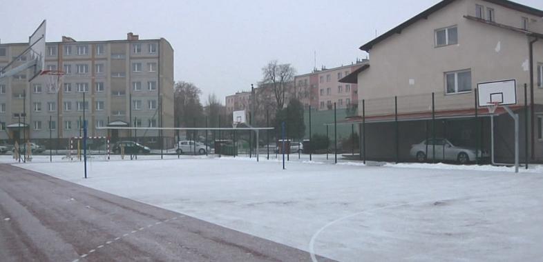 """Otwarcie nowego boiska przy """"Ekonomiku"""" w Łasku"""