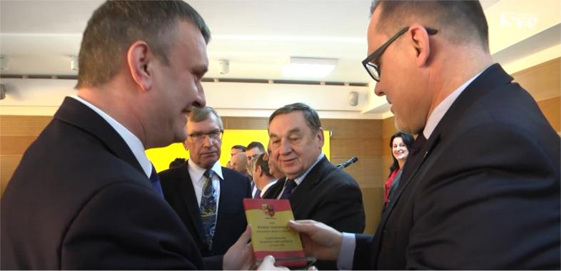 Sesja Powiatu Sieradzkiego podsumowująca rok 2016