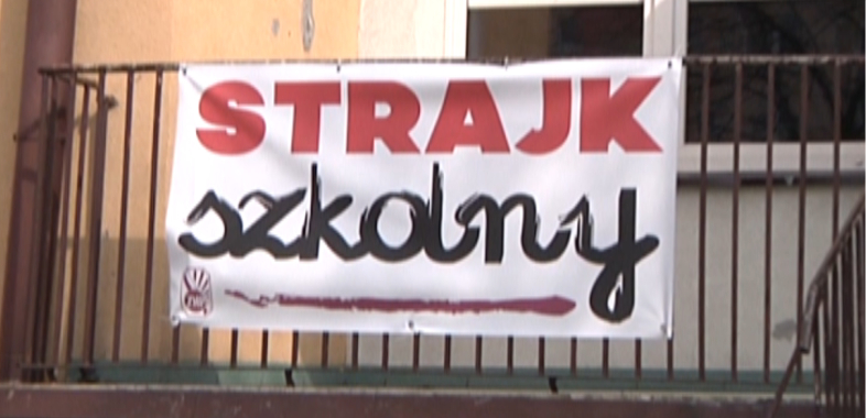 Szkolny strajk w łaskich placówkach oświaty