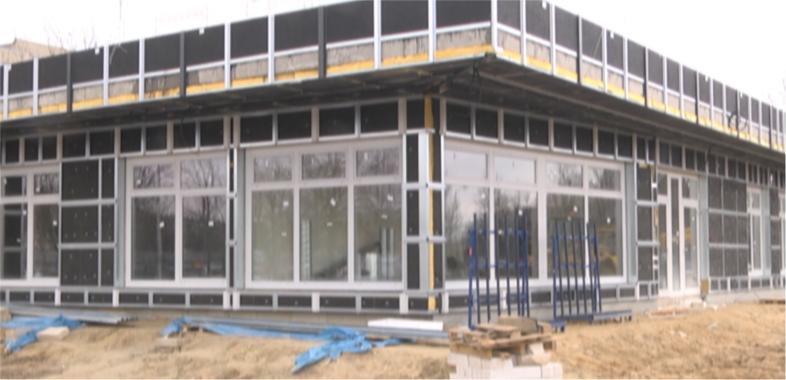 Budowa Ośrodka Doskonalenia Techniki Jazdy w pełni