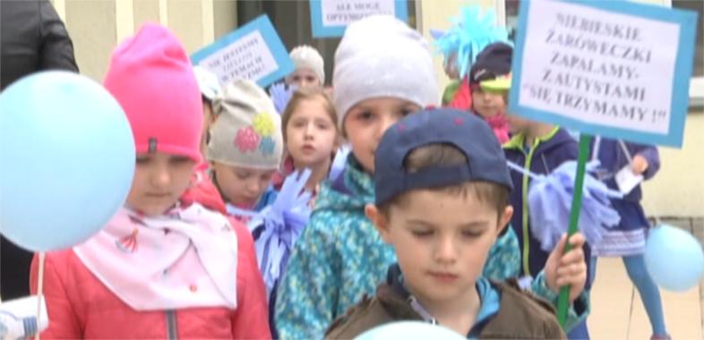 Marsz z okazji Światowego Dnia Świadomości Autyzmu