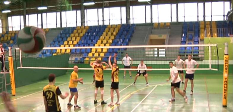 Finał Miejskiej Amatorskiej Ligi Siatkówki w Łasku