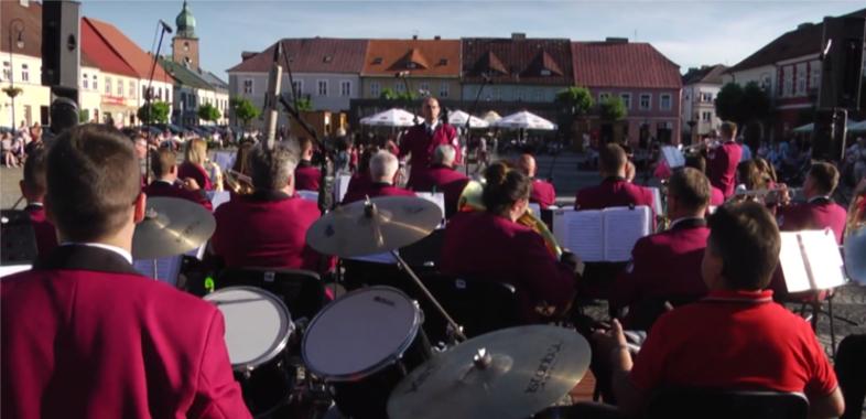 Orkiestra Dęta zagrała na sieradzkim rynku
