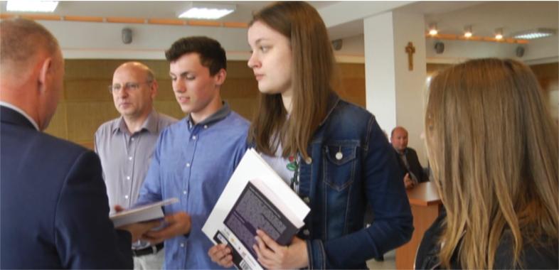 Uczniowie Zespołu Szkół Ponadgimnazjalnych nr 1 w Sieradzu laureatami Olimpiady