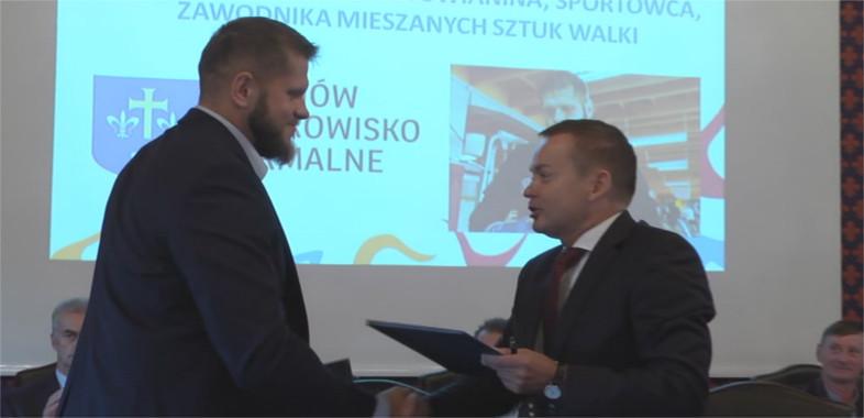 Uniejów nawiązał współpracę ze znanym sportowcem Marcinem Tyburą