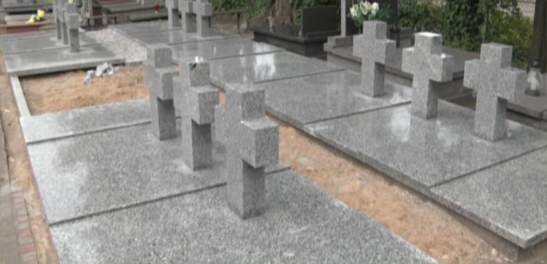 Remont zbiorowej mogiły ofiar nalotów niemieckich