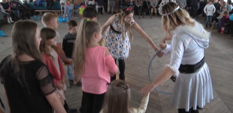Zabawa choinkowa w gminie Burzenin