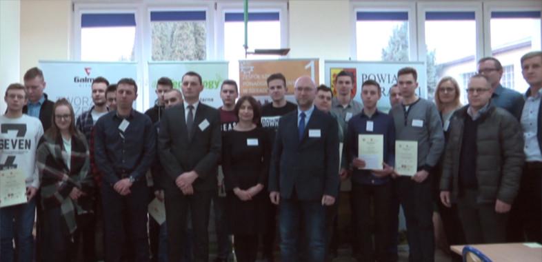 Zmagania młodzieży w półfinale Konkursu Wiedzy o Energetyce Odnawialnej
