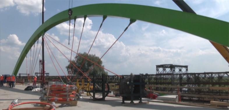 O remoncie mostu w Warcie
