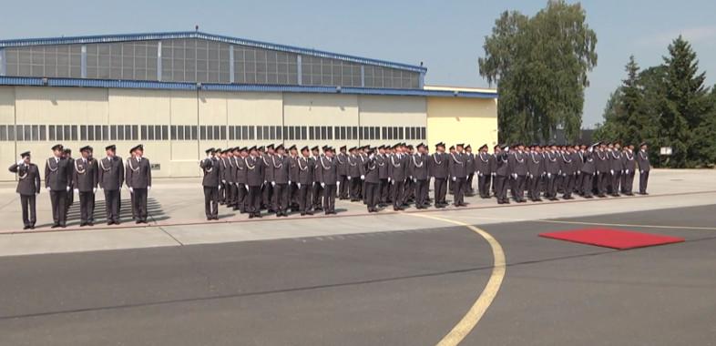 Przekazanie obowiązków dowódcy w 32. Bazie Lotnictwa Taktycznego w Łasku