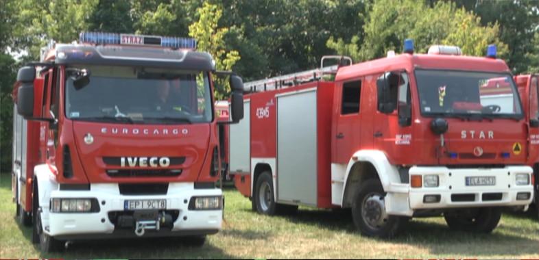 Ćwiczenia strażaków na zbiorniku Zajączek w Łasku