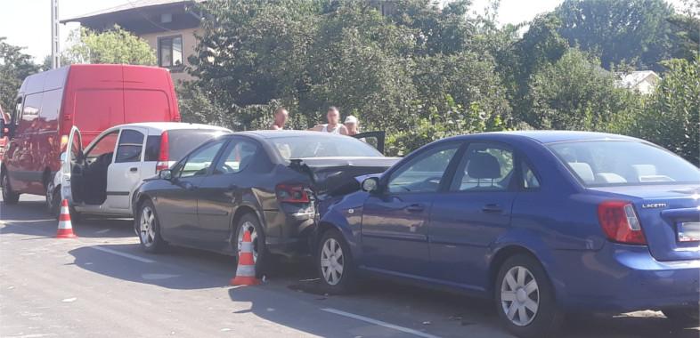 Zderzenie pięciu samochodów w Małkowie