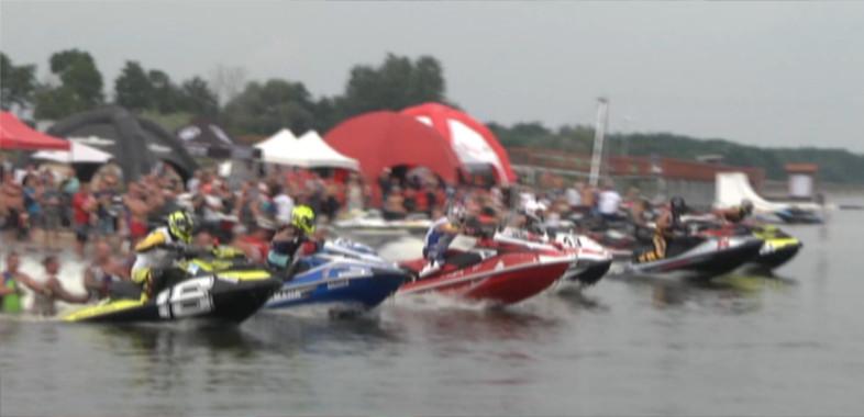 IV Runda Mistrzostw Polski skuterów wodnych na Zbiorniku Jeziorsko