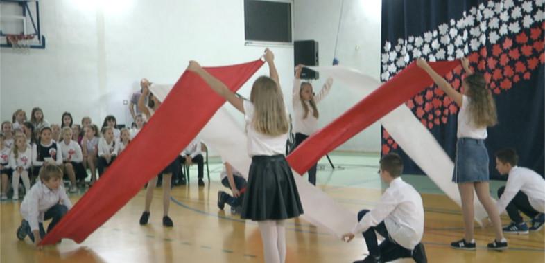 Występy artystyczne w Szkole Podstawowej nr 1 w Łasku
