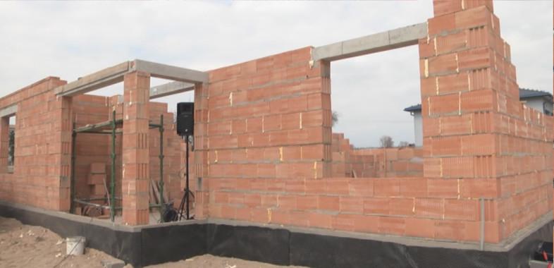 Wmurowanie kamienia węgielnego pod budowę komisariatu w Widawie