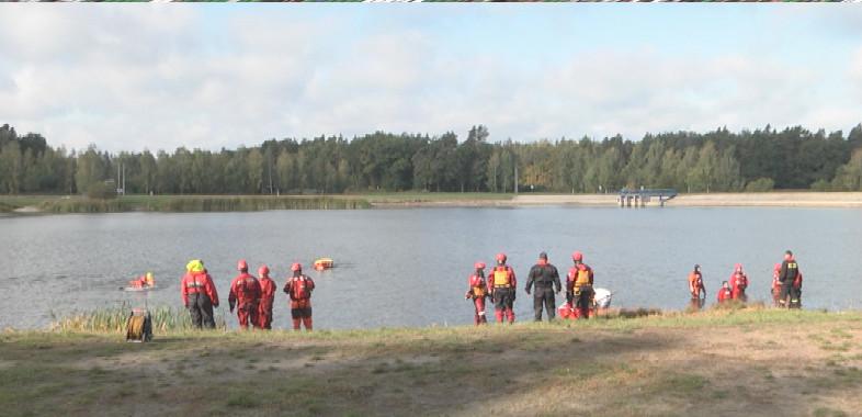 Szkolenia strażaków na zbiorniku Próba