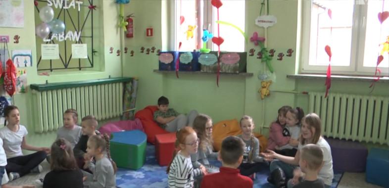 """Projekt """"Młodzi w akcji"""" w Chojnem"""