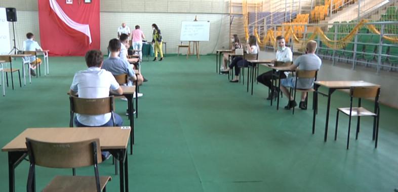 Rozdanie świadectw maturalnych w Powiecie Sieradzkim