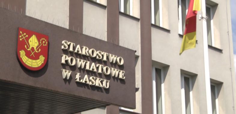 Rozmowa ze starostą Łaskim Piotrem Wołoszem