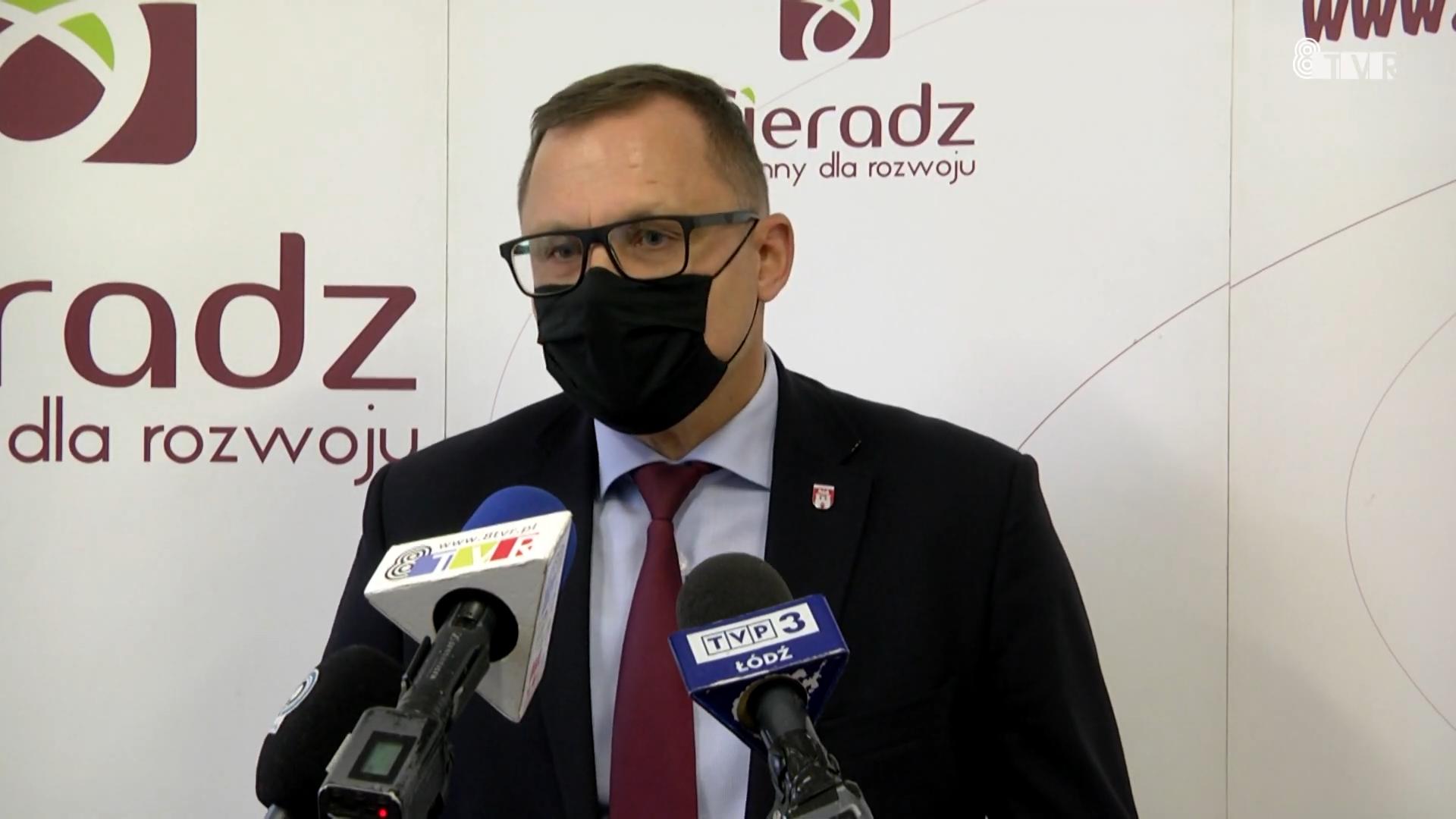 Briefing prasowy prezydenta Sieradza – Pawła Osiewały