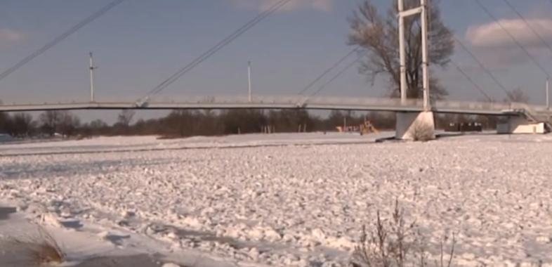 Rzeka Warta pokryta lodem!