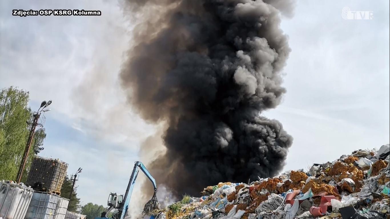 Pożar składowiska odpadów w Woli Łaskiej