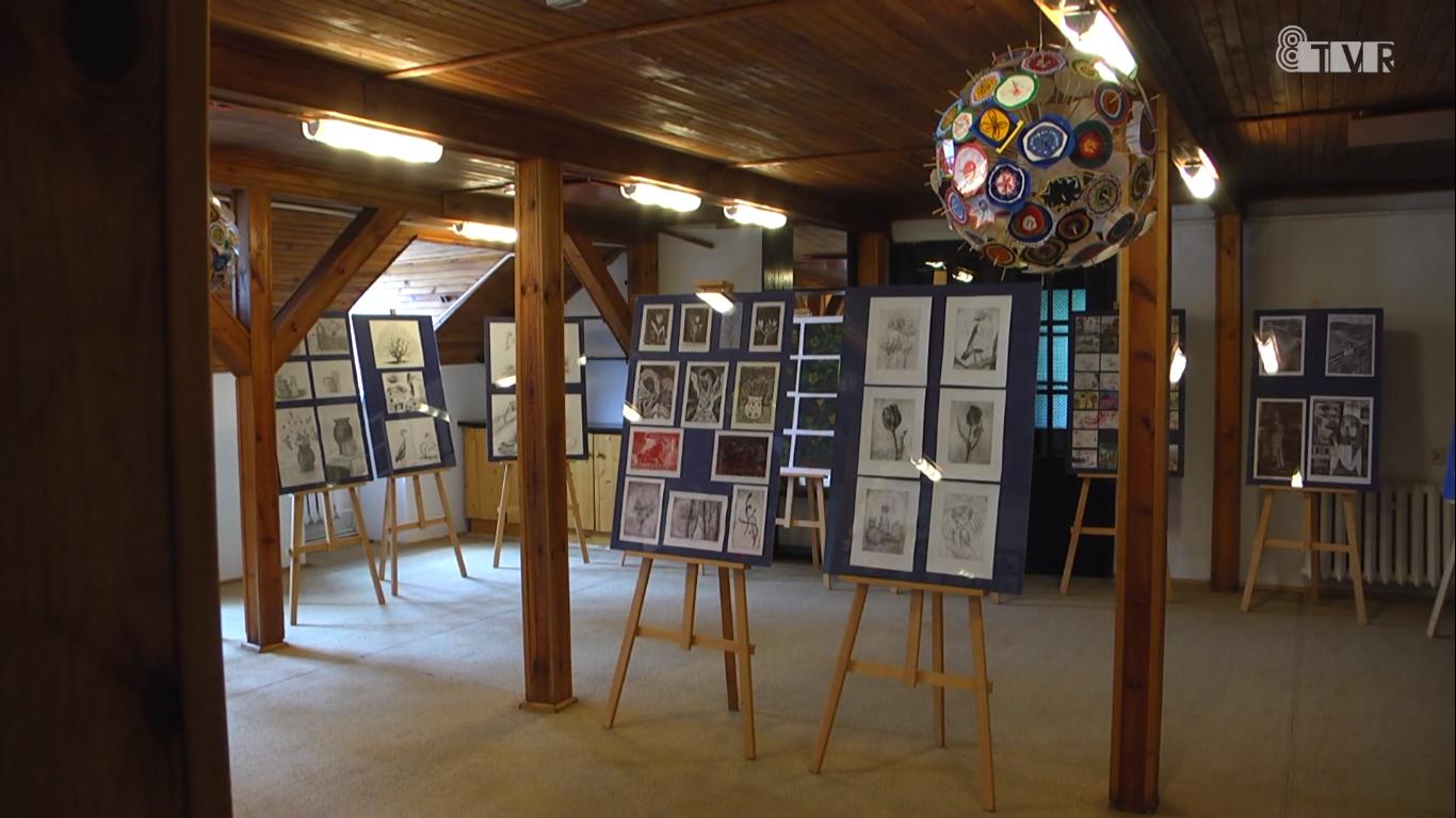 Wystawa z okazji 40 lat Młodzieżowego Domu Kultury