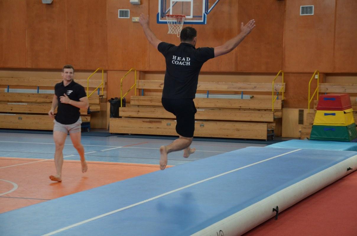 Dzieci na warsztatach gimnastycznych MOSiR Sieradz