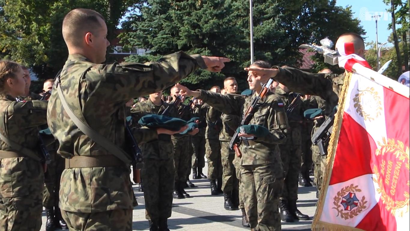 Przysięga wojskowa żołnierzy ochotników