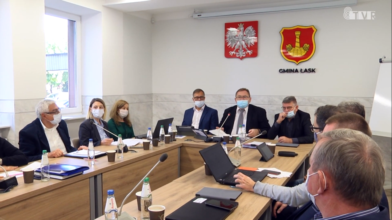 Sesja Rady Miejskiej w Łasku – wyniki kontroli w schronisku w Wojtyszkach
