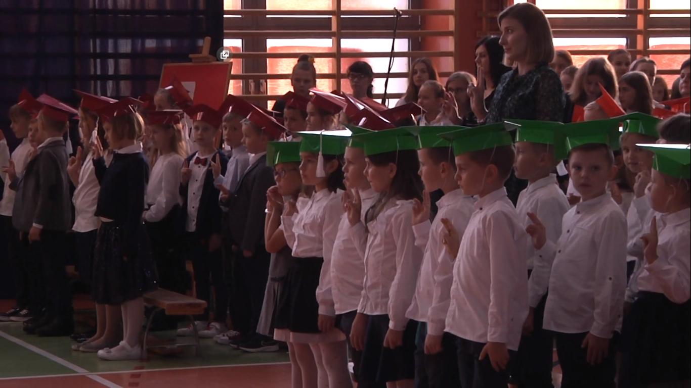 Ślubowanie klas pierwszych w Szkole Podstawowej nr 10